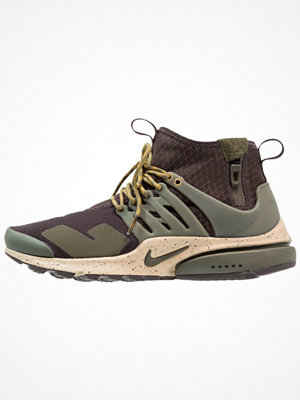 Sneakers & streetskor - Nike Sportswear AIR PRESTO MID UTILITY Höga sneakers brown/cargo khaki/mushroom/desert moss