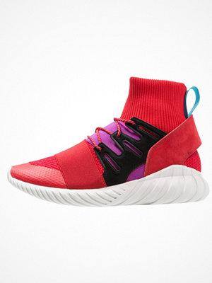 Adidas Originals TUBULAR DOOM WINTER Höga sneakers scarlet/shock purple