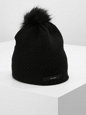 Mössor - Calvin Klein CK TWIST  Mössa black