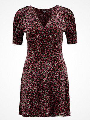Topshop BIZZYLIZZY TEA Jerseyklänning magenta