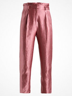 Topshop PLEAT WAIST PEG Tygbyxor rose gammelrosa