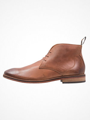 Vardagsskor & finskor - Superdry TRENTON CHUKKA BOOT Snörskor saddle brown