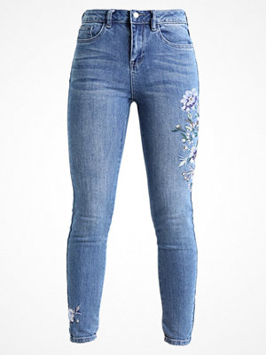 New Look EMBROIDERED BUSTED KNEE DEVON Jeans Skinny Fit mid blue