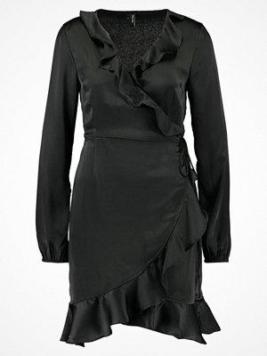 Vero Moda VMHENNA SHINE WRAP SHORT DRESS Sommarklänning black