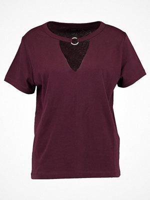 Even&Odd Tshirt med tryck dark purple