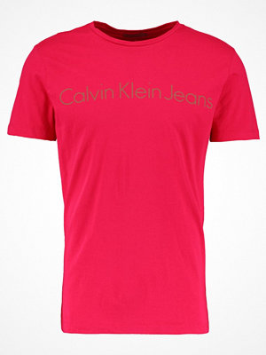 Calvin Klein Jeans TREASURE SLIM FIT Tshirt med tryck purple
