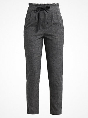 Only ONLMARGO PANTS  Tygbyxor dark grey melange grå