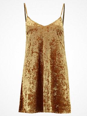 Double Agent VELVET DRESS Jerseyklänning gold