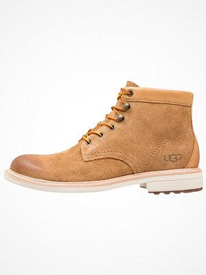 Boots & kängor - UGG VESTMAR Snörstövletter chestnut