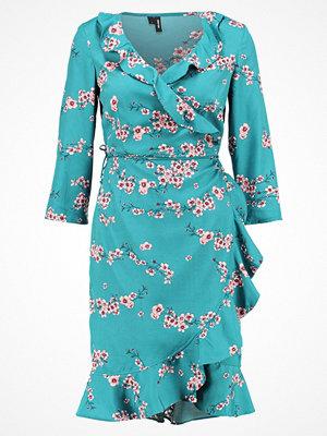 Vero Moda VMHENNA DOT 3/4 WRAP DRESS  Sommarklänning bayberry