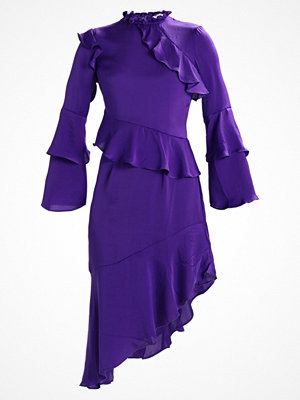 Miss Selfridge FRILL ASSYM HEM DRESS Sommarklänning purple