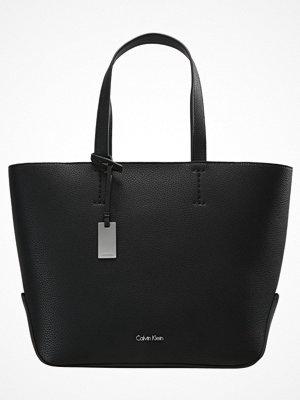 Calvin Klein EDIT MEDIUM Handväska black