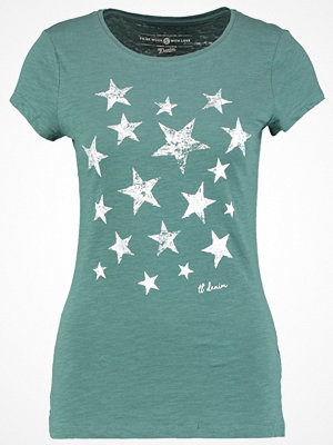Tom Tailor Denim FITTED PRINT Tshirt med tryck sea pine green