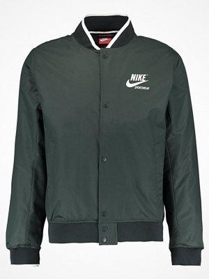 Nike Sportswear Bomberjacka outdoor green/sail