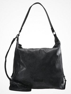 Tamaris svart shopper MATILDA HOBO BAG Shoppingväska black comb