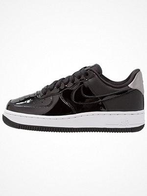 Nike Sportswear AIR FORCE 1 '07 SE PRM Sneakers black/reflect silver