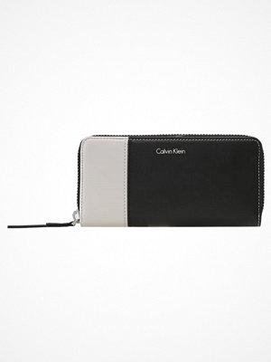 Calvin Klein URBAN LARGE ZIPAROUND Plånbok black