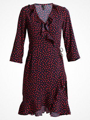 Vero Moda VMHENNA DOT 3/4 WRAP DRESS  Sommarklänning salute