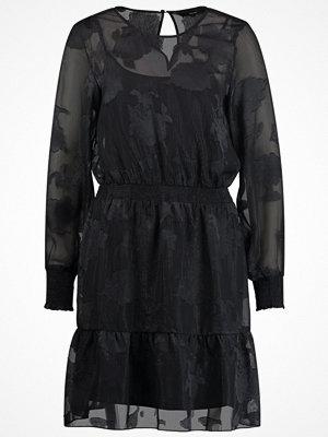 Vero Moda VMNYNNESHORT  Cocktailklänning black