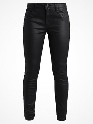 Only ONLLUCIA COATD PUSHUP PANT Tygbyxor black svarta