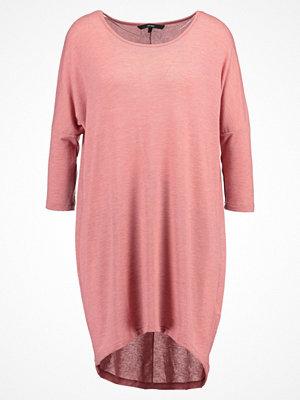 Vero Moda VMHONIE LOOSE LONG Stickad klänning ash rose