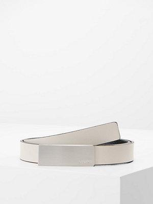 Calvin Klein CURVED PLAQUE BELT Skärp grey