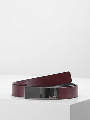 Bälten & skärp - Calvin Klein CURVED PLAQUE BELT Skärp red
