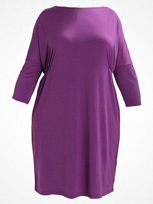 Zizzi DRESS Jerseyklänning grape royal