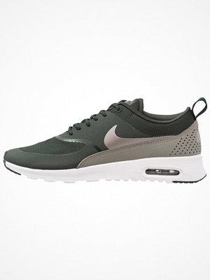 Nike Sportswear AIR MAX THEA Sneakers outdoor green/metallic pewter