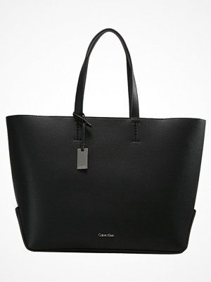Calvin Klein svart shopper EDIT LARGE Shoppingväska black