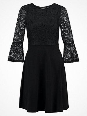 Dorothy Perkins FLUTE SLEEVE DRESS Jerseyklänning black