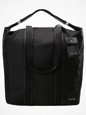 Calvin Klein svart shopper FLUID Shoppingväska black