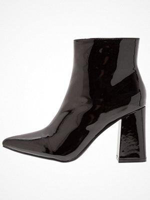 Boots & kängor - Public Desire EMPIRE Klassiska stövletter black