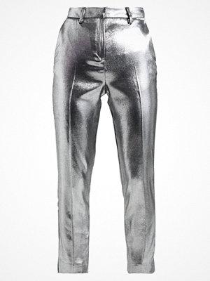 Topshop ljusgrå byxor FOIL Chinos silver
