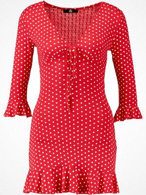 Missguided POLKA DOT FRILL TEA DRESS Jeansklänning red
