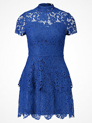Missguided SHORT SLEEVE LAYER DRESS Cocktailklänning blue