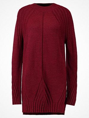 Topshop PETAL HEM GRUNGE DRESS Stickad klänning berry