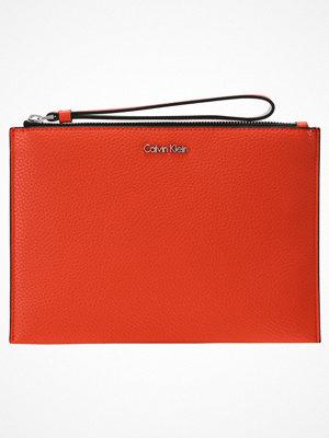 Calvin Klein EDIT Kuvertväska orange röd