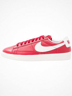 Nike Sportswear BLAZER LOW PRM Sneakers white/gym red/sail