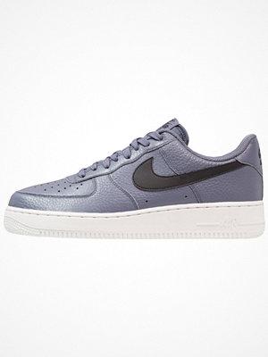 Nike Sportswear AIR FORCE 1 07 Sneakers light carbon/black/summit white