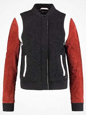 Tigha NAARA Skinnjacka red/black