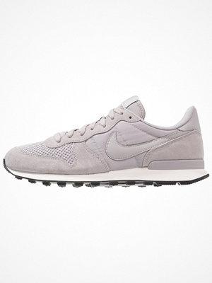 Nike Sportswear INTERNATIONALIST SE Sneakers atmosphere grey/sailblack
