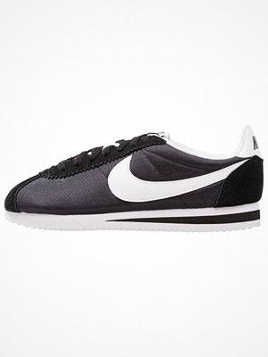 Nike Sportswear CLASSIC CORTEZ NYLON Sneakers black/white