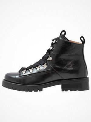 Pavement ALICE Ankelboots black