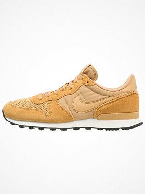 Nike Sportswear INTERNATIONALIST SE Sneakers elemental gold/sail/black
