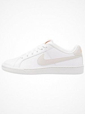 Nike Sportswear COURT ROYALE Sneakers white/light bone/mineral yellow