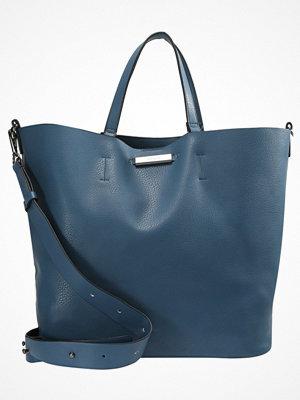 Topshop omönstrad shopper SELINA SOFT Shoppingväska blue