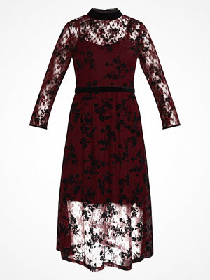 New Look CONTRAST EMBROIDERY Cocktailklänning red