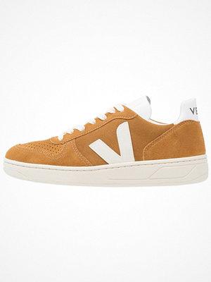 Veja V10 Sneakers camel/white