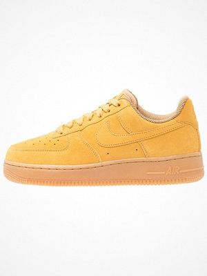 Nike Sportswear AIR FORCE 1 '07 SE Sneakers mineral yellow/light brown/elemental gold
